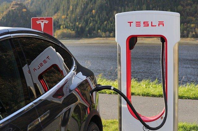 Tesla Lobbies UK To Raise Tax On Fuel, As Volkswagen Muscle In